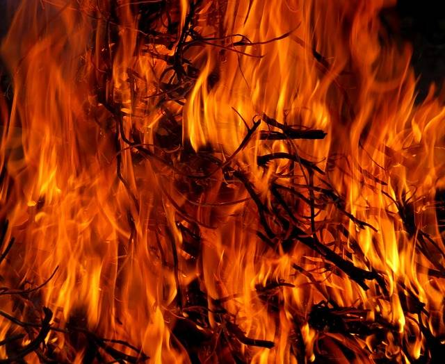 Free photo: Fire, Easter, Easter Fire, Flame - Free Image on Pixabay - 717504 (9508)
