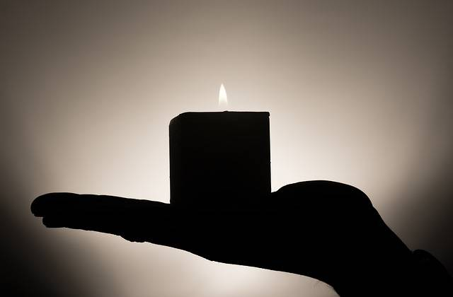 Free photo: Candle, Meditation, Hand, Keep - Free Image on Pixabay - 335965 (10440)