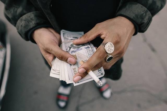 Free photo: Cash, Cigarette, Hands, Money - Free Image on Pixabay - 1867435 (21132)