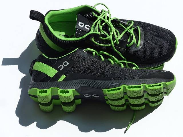 Free photo: Sports Shoes, Running Shoes - Free Image on Pixabay - 115149 (26360)