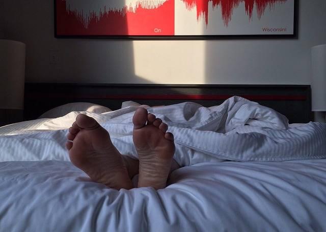 Free photo: Feet, Sleeping, Sleep, Bed, Bedroom - Free Image on Pixabay - 2308646 (32073)