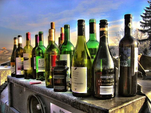 Free photo: Alkolismus, Bottles, Glass - Free Image on Pixabay - 64162 (32263)