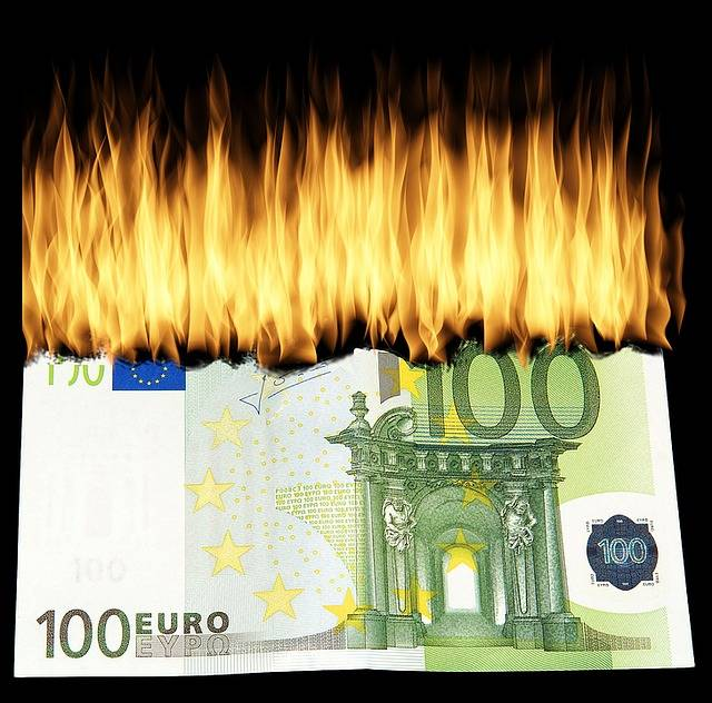 Free photo: Burn Money, Burn Geldschein - Free Image on Pixabay - 1463224 (32662)