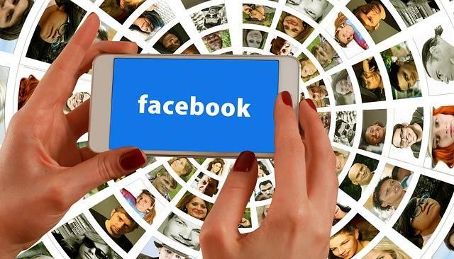 Free illustration: Hands, Smartphone, Facebook - Free Image on Pixabay - 1167615 (35244)