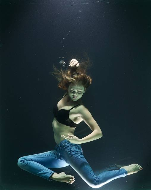Free photo: Water, Drowning, Fashion, Model - Free Image on Pixabay - 2322835 (40174)
