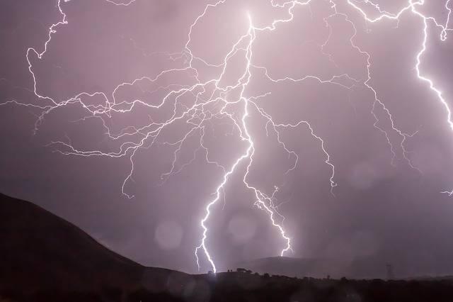 Free photo: Lightning, Storm, Weather, Sky - Free Image on Pixabay - 399853 (40298)