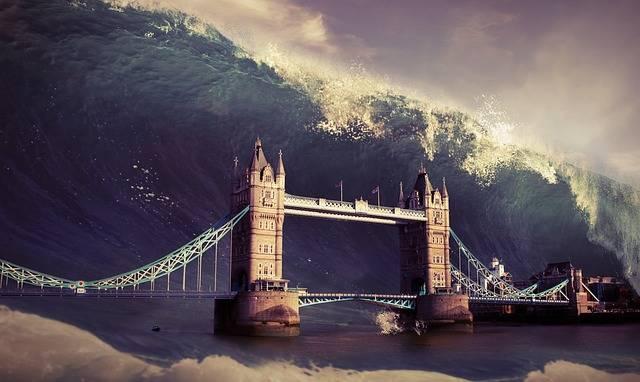 Free photo: Wave, Tower, Bridge, Flood - Free Image on Pixabay - 2085408 (40303)