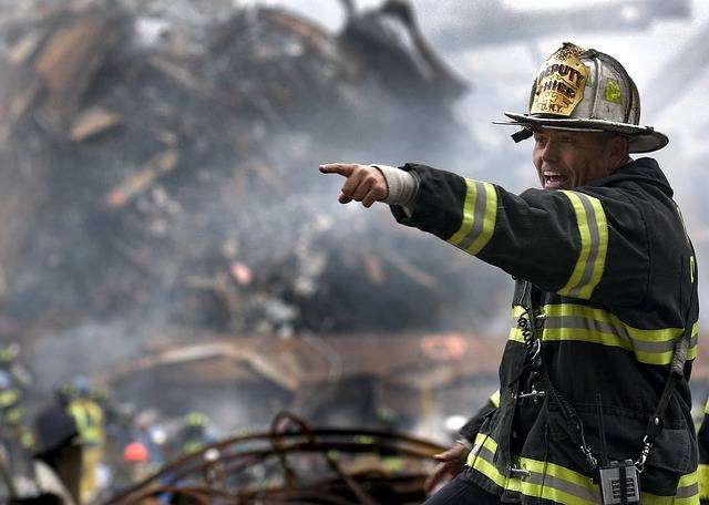 Free photo: Fireman, Firefighter, Rubble, 9 11 - Free Image on Pixabay - 100722 (46307)