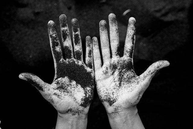 Free photo: Dirty, Hand, Palm, Soil, Sand - Free Image on Pixabay - 2562268 (47256)