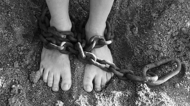 Free photo: Chains, Feet, Sand, Bondage, Prison - Free Image on Pixabay - 19176 (48892)