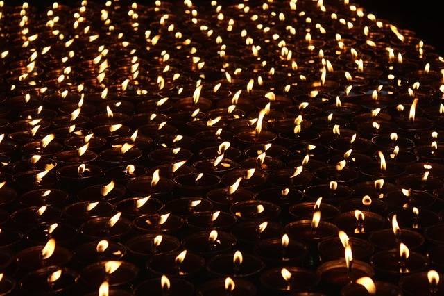 Free photo: Buddhism, Light, Oil, Lamps, India - Free Image on Pixabay - 2576960 (52067)