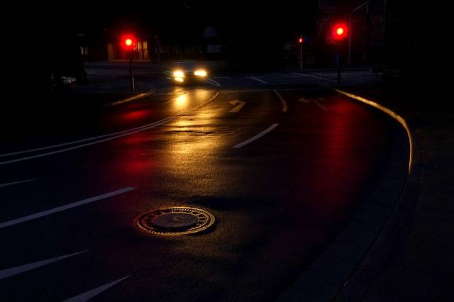 Free photo: Road, Night, Light, Traffic, City - Free Image on Pixabay - 1589126 (53619)