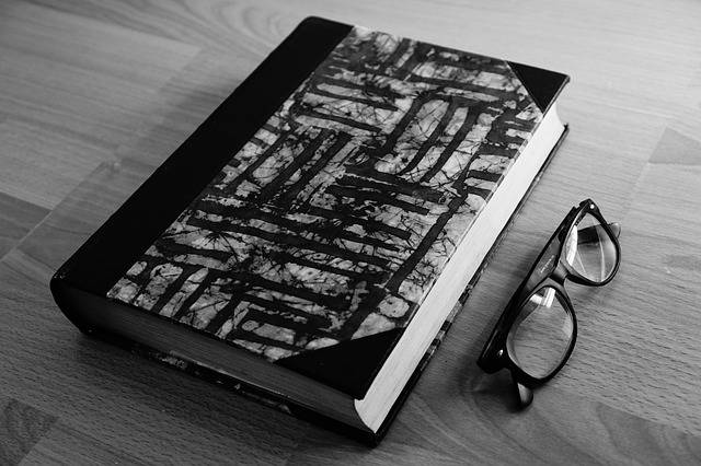 Free photo: Book, Glasses, Read, Study, School - Free Image on Pixabay - 1568667 (54132)