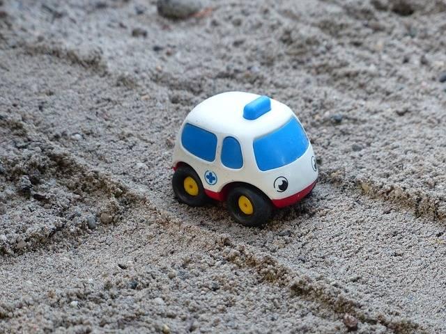 Free photo: Ambulance, Bobo, Care, Sand, Toy - Free Image on Pixabay - 2685925 (57490)