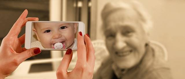 Free photo: Smartphone, Face, Woman, Old, Baby - Free Image on Pixabay - 1987212 (59270)