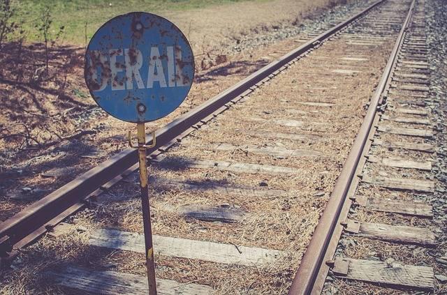Free photo: Train, Railway, Track, Metal, Sign - Free Image on Pixabay - 2576985 (61300)