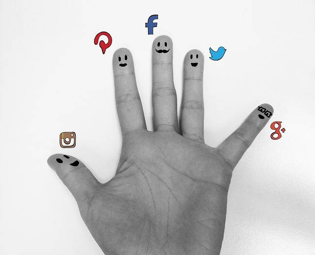 Free illustration: Social, Date, Hand, Finger, Palm - Free Image on Pixabay - 1035053 (71316)