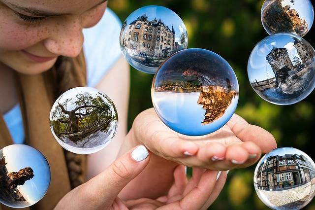 Free illustration: Glass Ball, Soap Bubbles, Float - Free Image on Pixabay - 1767291 (71416)