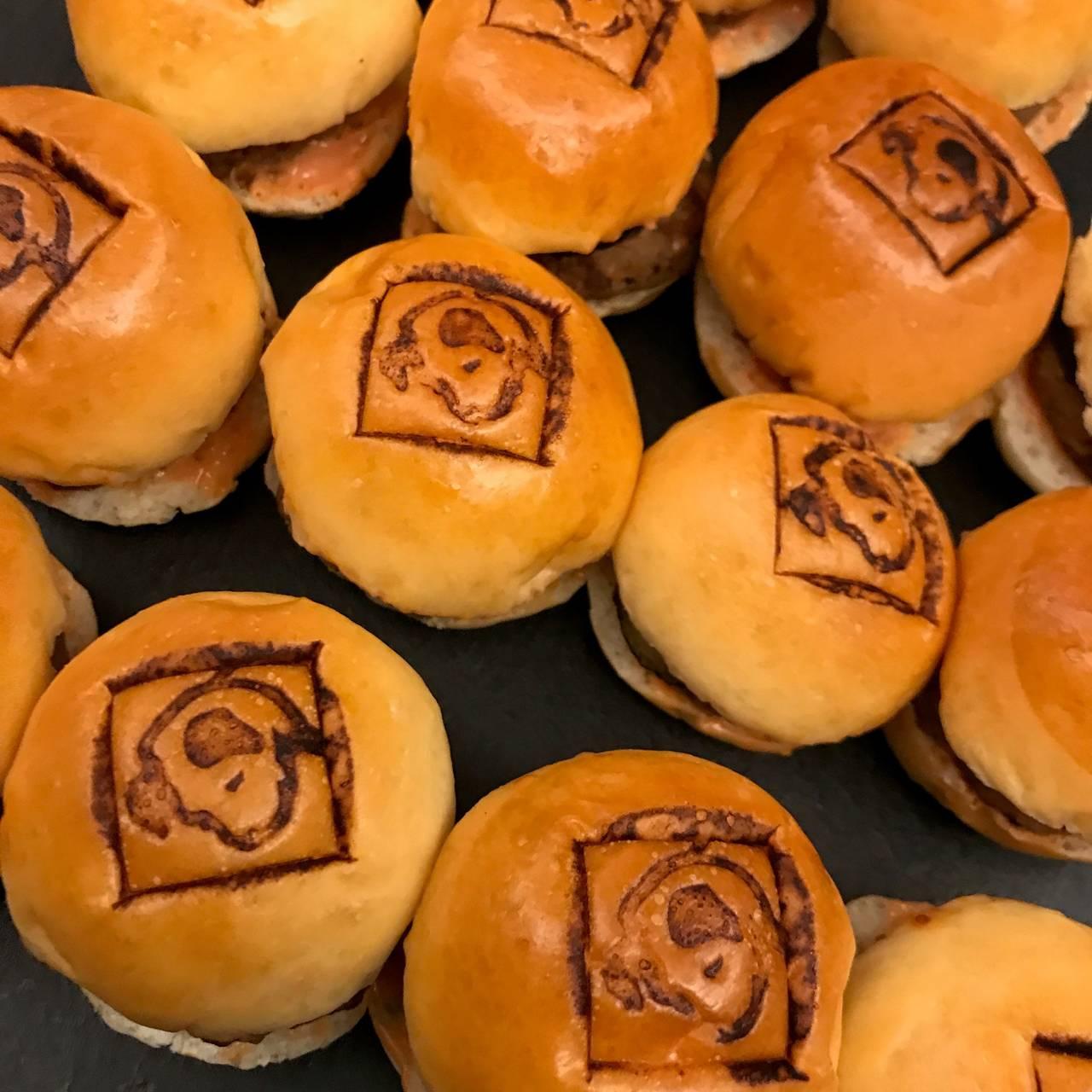ニッパー君焼印なミニ・ハンバーガー