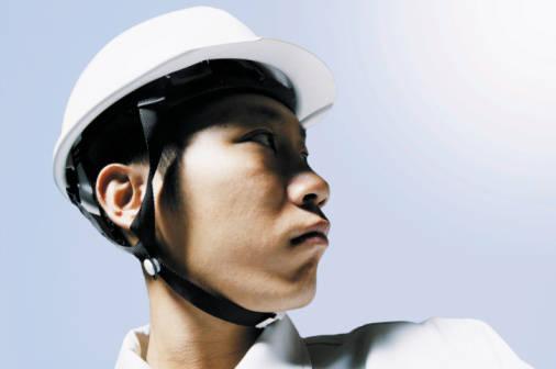 ヘルメットは正しくかぶっていないと意味がありません。