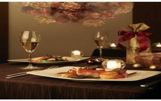 聖なるクリスマスの夜にシェフ特製のスペシャルディナーを...