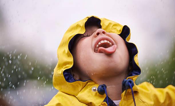 子どもは雨大好き!