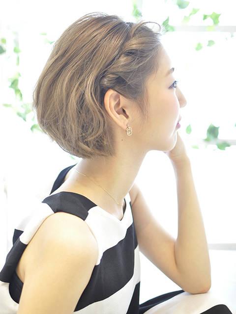 大人ショートボブ~前髪ねじりアレンジ~