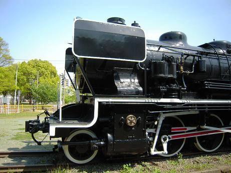 蒸気機関車「49627」が展示されているんですよね。