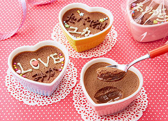 カンタン濃厚チョコムースのつくり方|新着!手づくりスイーツレシピ|ガーナ|お口の恋人 ロッテ (3067)