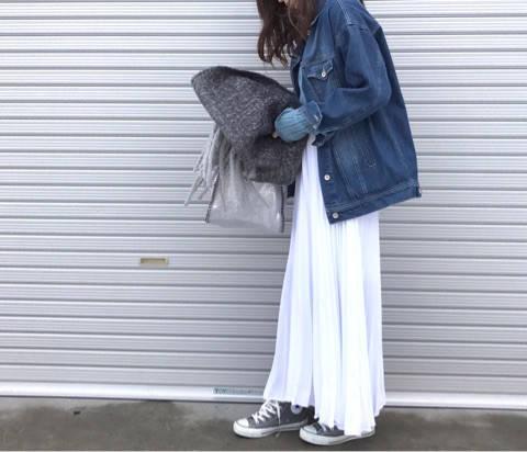 大好きなプリーツスカートにスニーカー♡