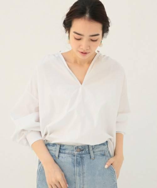 袖のボリュームが印象的な春にマストなスキッパーシャツ。