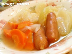 お鍋に野菜とウインナーを入れて、加熱放置なんです。好き...