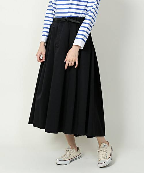 足元が軽くなる春夏に合わせやすいよう前後差のある裾がす...