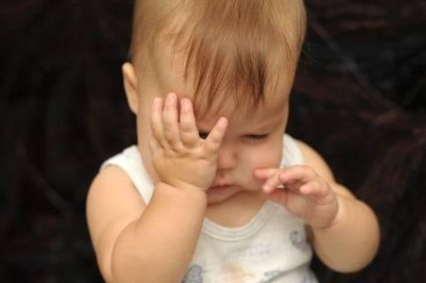 赤ちゃんの目が充血する原因は?白目が赤くなる?病気のせい? - こそだてハック (9724)