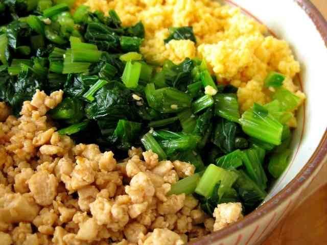 挽き肉の代わりに豆腐で甘辛のそぼろを作りました!ふわふ...