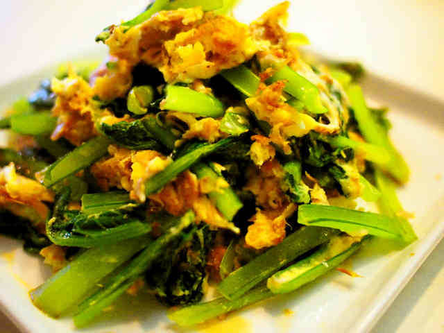 食材3つ、5分で完成です!栄養たっぷりの小松菜をたくさ...