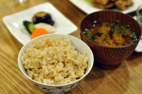 さらに玄米食にすると体を温めやすくなります
