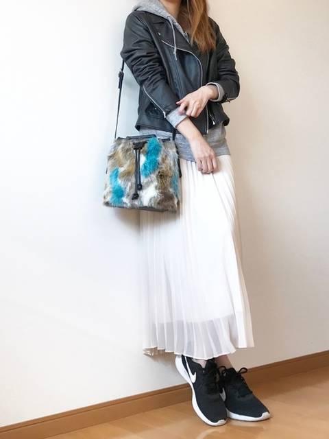 キキ|PLAIN CLOTHINGのショルダーバッグを使ったコーディネート - WEAR (12401)