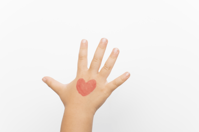 子供が生タコに触り、手に痒み…アレルギーが原因? | イクシル (13371)