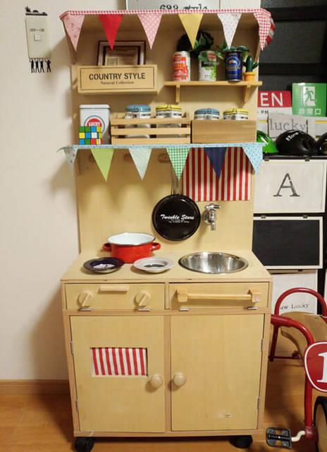 「飾り棚」にも「収納棚」にもなる おままごとキッチン