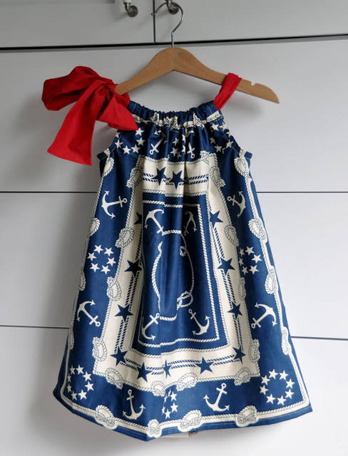 Aesthetic Nest: Sewing: Patriotic Pillowcase Dresses (16885)