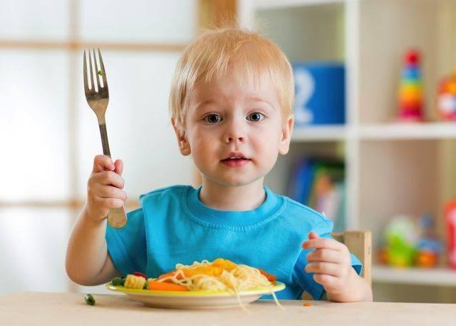 現役看護師が語る、座って食事ができない子供に<ルール>を教える方法はコレ! - macaroni (17047)