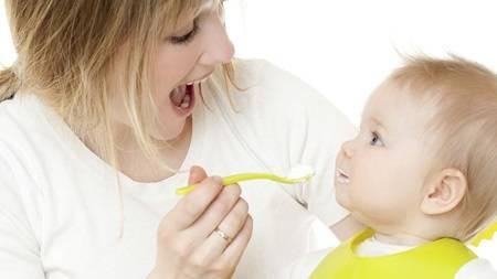 離乳食を食べない赤ちゃんについて知っておきたいこと   アカイク (19145)