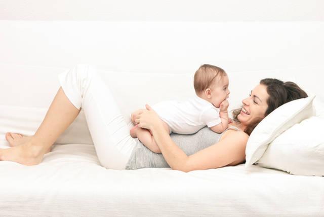 生後6ヶ月ってどんな時期?赤ちゃんの成長と子育てのポイント | mamanoko(ままのこ) (20100)