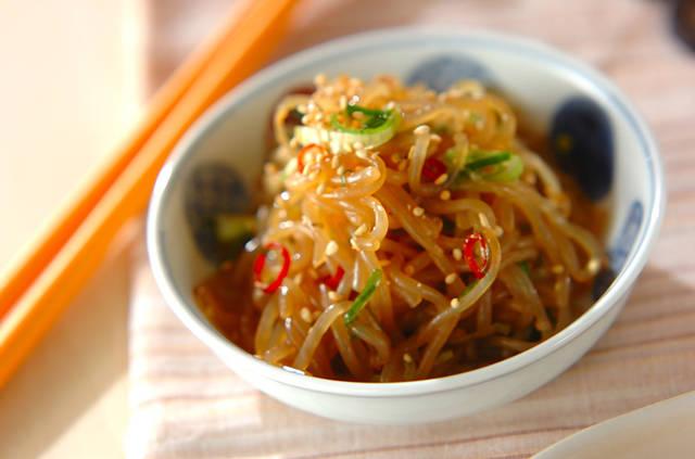 糸コンニャクのきんぴら【E・レシピ】料理のプロが作る簡単レシピ/2010.05.17公開のレシピです。 (26074)