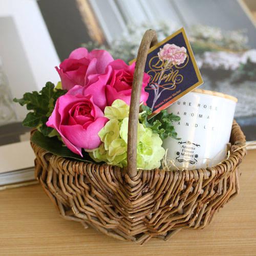 【5/12着(北海道・九州5/13着)】オリジナル「ピュアローズアロマキャンドル」アレンジメント<母の日限定> | 花・花束の通販|青山フラワーマーケット (29280)
