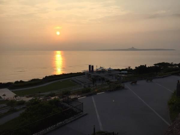 海洋博公園の夕日の広場とサンゴでいっぱいのビーチ  |  ウリ!Okinawa (39403)