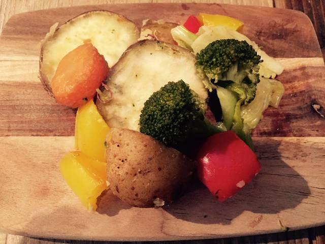 """yogatter on Twitter: """"無水調理、野菜本来の甘さが出る。ライスポットだと火加減が絶妙なんです。炊飯鍋で炊くごはんのおこげコースは米は立ってるし香ばしいし一粒一粒を口の中で感じられる。鍋炊きがタイマーでできちゃうとか最高すぐる #バーミキュラ https://t.co/bPekomlluk"""" (73331)"""