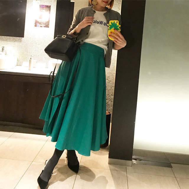 """Megumi on Instagram: """"大人気のボリュームスカート 入荷します❤️ NEWカラー グリーン、ブルー、ピンク、マスタード✨✨ 13800円+tax ・ ・ お祝い続き🥂で、本当に嬉しい♥️ みんなの笑顔は 本当に幸せ😍❤️ お祝いできることの喜び半端ない♥️ ・ ・ tops…新作イデアルーチェ…"""" (82540)"""