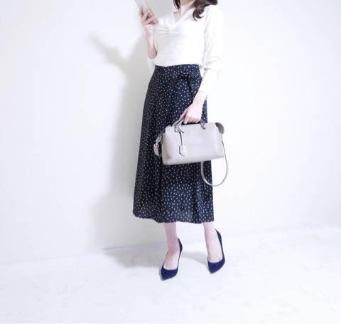 GUで一目惚れ♡大人可愛く着れるドットスカート|きれいめOLの上品高見え♡プチプラコーデ (82781)